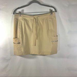 Tangerine Khaki Skort Women's Size: Medium